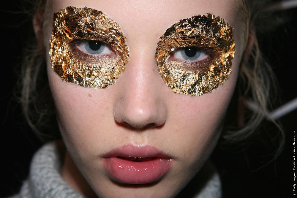 Gold Leaf Inspiring Fashion Gold Leaf Eye Make Up Look At