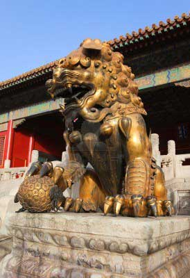 forbidden city gold statue