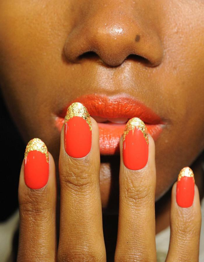 gold. gold leaf. gold foil. nail art. fashion. beauty. manucure.