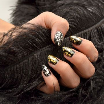 Gilded Nail Art Dark Look By Delafe Using Delafe Gold Nail Art